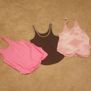 Pink Brand tank tops larges